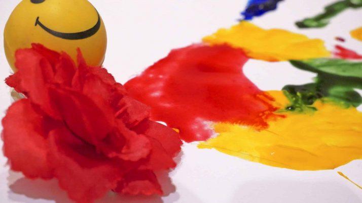 5 actividades y juegos sensoriales para niños pequeños